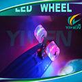 peixe forma de skate com diodo emissor de luz de roda