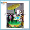 Jeu pour les enfants carrousel d'attractions en plein air