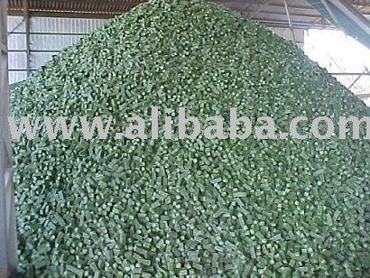 alfalfa cubes in 10 cm chile