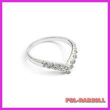 Korean men and women marry winnings Pinky thought you gilded V Full Diamond Ring
