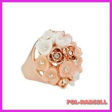 Stylish new rose ring inlaid jewelry Korean Korean Gold Jewelry