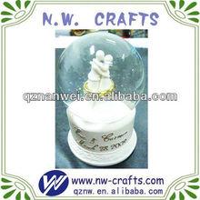 Fashion wedding water globe souvenir gift idea