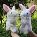 en forme de lapin en peluche marionnette à main