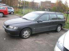 VOLVO V70 Car
