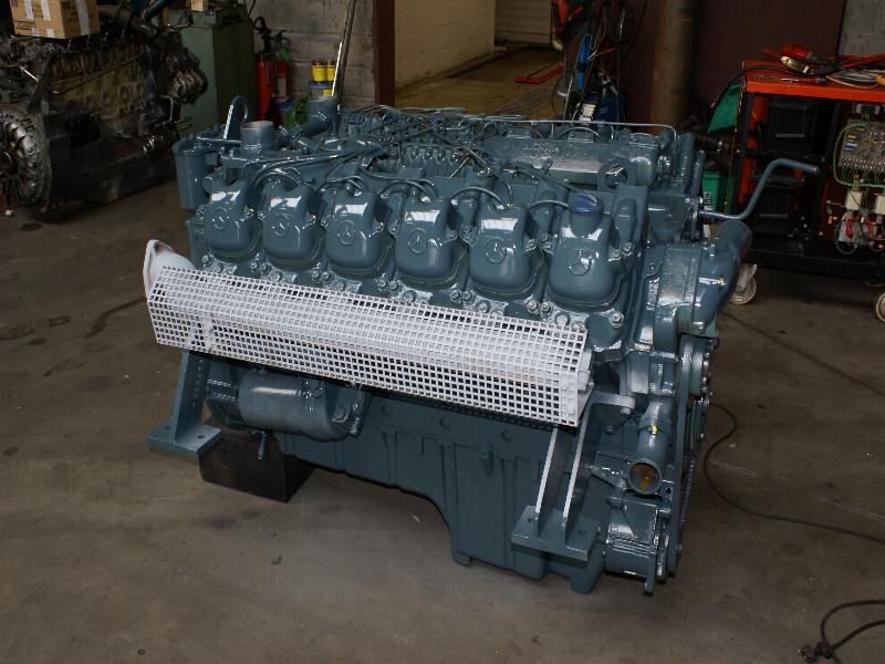 MERCEDES - BENZ OM404 المحرك.