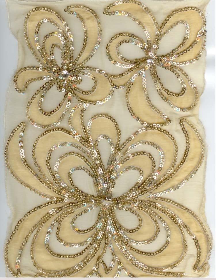 Embroidery haute couture � origami