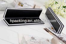 Black & White Plastic Hinged Bracelet Box