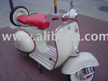 Vespa 64 Scooter