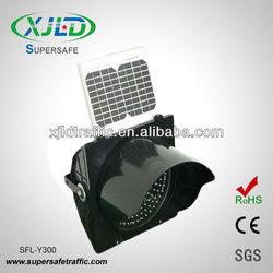 300M Flashing Solar powered LED Traffic Light