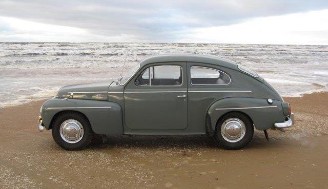 OLDTIMER VOLVO PV 544 car
