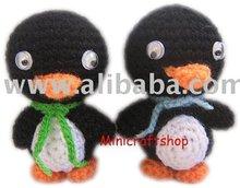 Crocheted keychain_Penguin