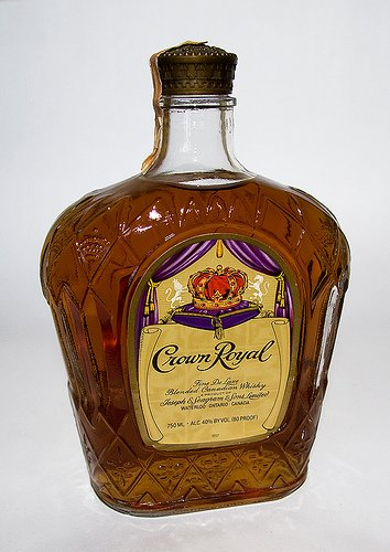 http://i00.i.aliimg.com/photo/v0/109642704/Crown_Royal_Canadian_Whisky.jpg
