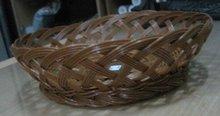Round brown woven basket Dia 28x8cm