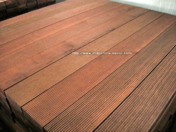 Plancher ext rieur de bois dur de balau for Plancher bois exterieur