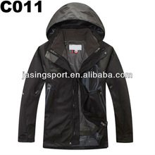 Men Skiing/ Camping and Hiking/ Travelling/ Mountain Jacket (C011)