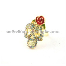 Fashion gold plated rhinestone skull with red flower finger ring