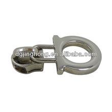 Omega shaped Metal Puller