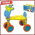 carriola di legno del giocattolo
