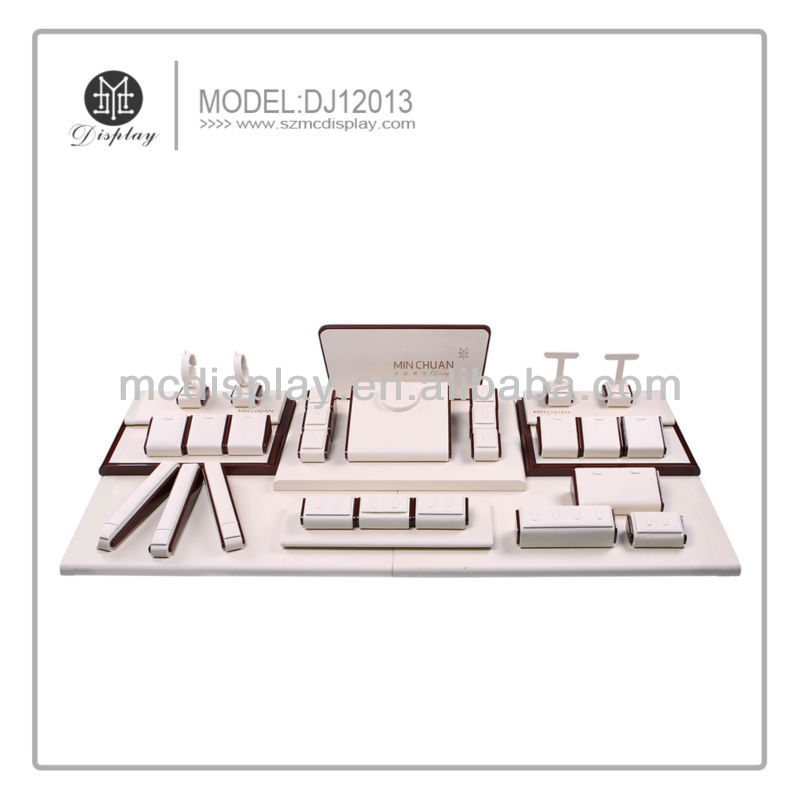 Customized Fashionable Jewellry display Set prop