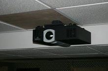Runco Cl 710 Dlp Projector Demo