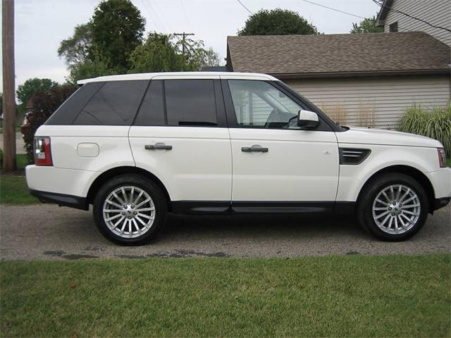 2011_Land_Rover_Range_Rover_Sport.jpg