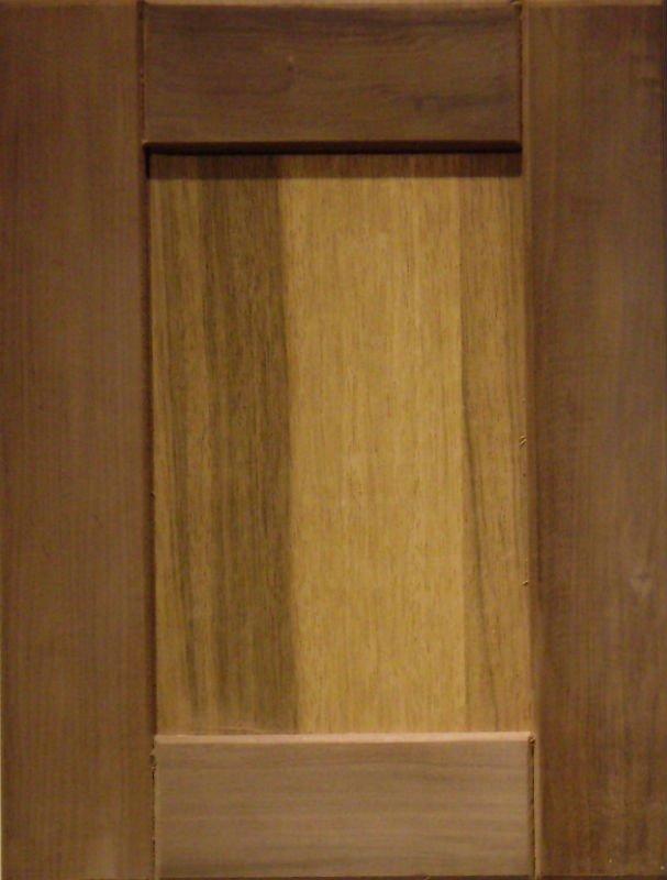 Solid Wood Kitchen Cabinet Door China Door Panel Door Plate Solid Wood
