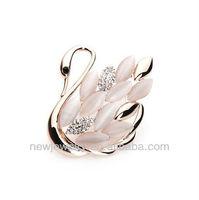 A097 Elegant alloy rhinestone opal swan brooches and hijab pins