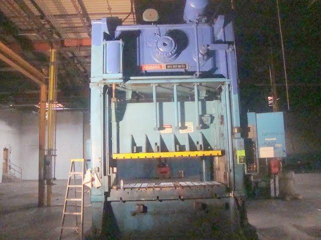 300_Ton_Niagara_Metal_Stamping_Press.jpg