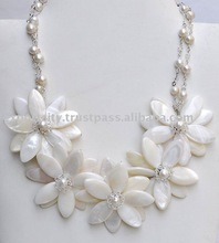 freshwater pearl and fine seashell glamour necklace (N46)
