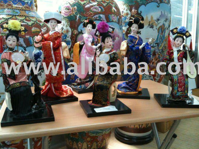 Asiática de bonecas de porcelana
