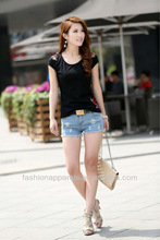 Fashionable women's black embroidered t-shirt