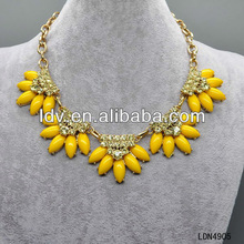 Translucent flower necklace yellow daisy bead crystal jewel