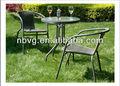 ronda de mesa y una silla al aire libre muebles de mimbre