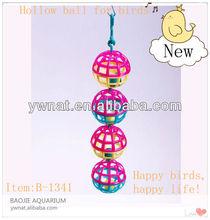 2013 newest birds toys hollow ball for birds, plastic happy birds/pet toys for birds/pet