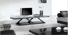 2013 fancy design tv stand is made by stainless steel and tempered glass
