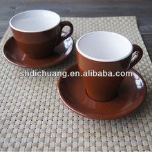 ของแข็งสีเมลามีนถ้วยกาแฟและจานรอง