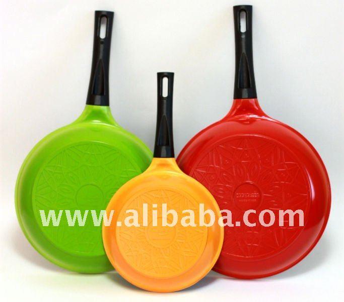 color de revestimiento de cerámica sartenes