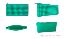 silicone wallet with dots, fashional silicone pencil case with zipper, ladies silicon wallet