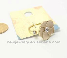 Super lovely cheap pink glaze flower shape opening o rings