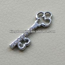 2013 fashional key shape Metal Keychain Metal Tags Keyring