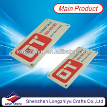 Zinc alloy metal casting chrome plated fashion lables with embossed logo and engraved text for cars