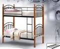 cama de dois andares com suporte de madeira