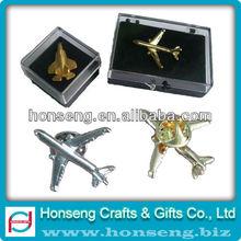 2013 Popular car lapel pins