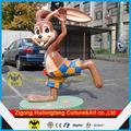 animal estátua de exposição de itens enorme resina estátua de coelho