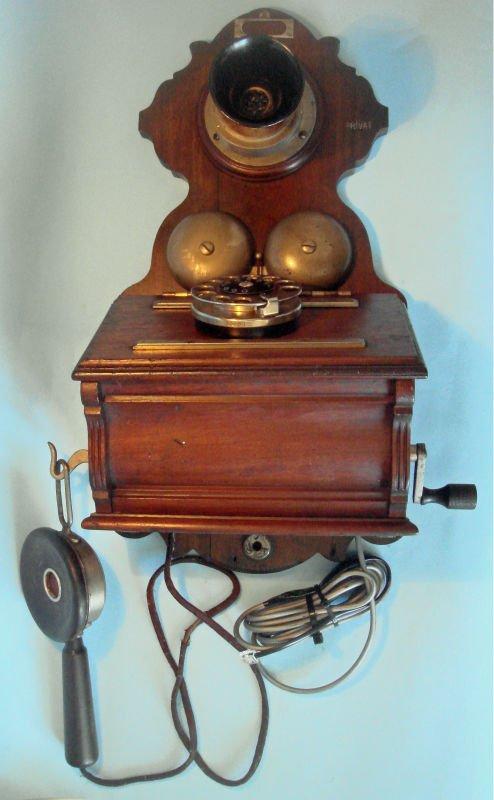 Magneto teléfono de la pared con el brazo giratorio dial
