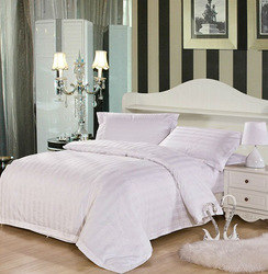 economical and practical plain and cozy hotel bedding set with 100% cotton 40s satin stripe