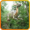 Jardín de esculturas animados dinosaurio caminando