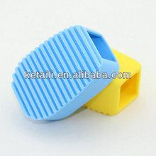 Factory Outlet Convenient Laundry Brush