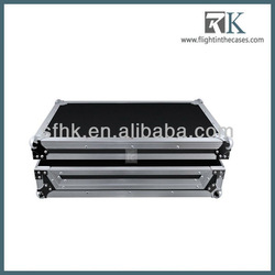 Portable black hard wood laptop computer case with round aluminium corner