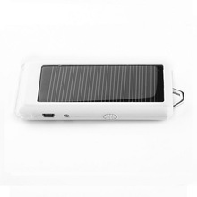 good and cheap factory mobile solar charger made in China